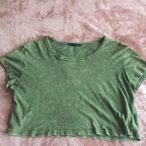 cropped green t-shirt